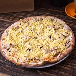 Garlic chicken pizza  thumbnail