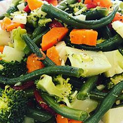 Broccoli, green apple and cranberry salad thumbnail