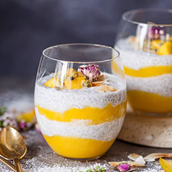 Coconut pineapple chia seed pudding thumbnail