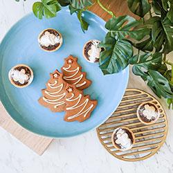 Christmas tart and gingerbread box thumbnail