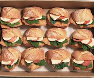 Chicken schnitzel roll box thumbnail