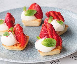 Strawberry waffle box thumbnail