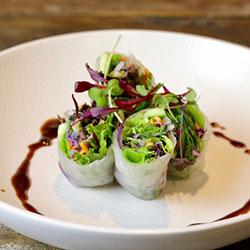 Vegetarian rice paper rolls thumbnail