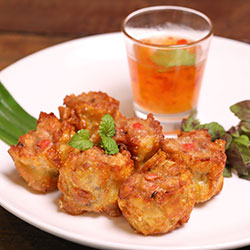 Crispy prawn and pork dim sims thumbnail