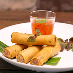 Garlic and pork spring rolls thumbnail