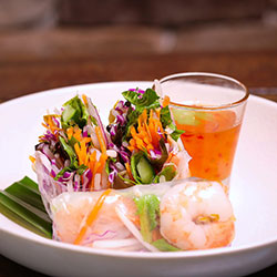 Prawn rice paper rolls thumbnail