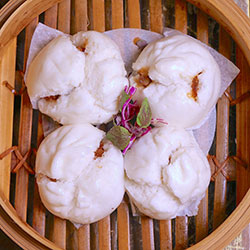 Steamed pork buns thumbnail
