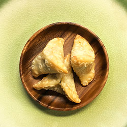 Spinach triangles thumbnail