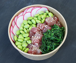 White rice and tuna sashimi poke bowl thumbnail