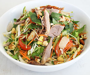 Shredded roasted duck and mango salad thumbnail