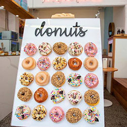 Rectangle doughnut wall thumbnail