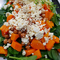 Spinach and pumpkin salad thumbnail
