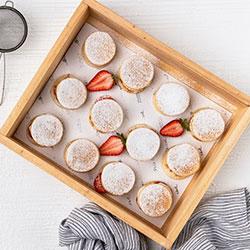 Pancakes with berries - mini thumbnail