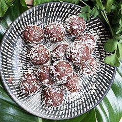Raw cacao balls thumbnail