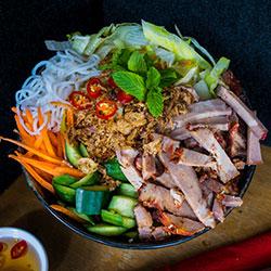 BBQ pork noodle salad thumbnail