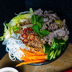 Beef noodle salad thumbnail