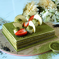 Matcha green tea and roasted black sesame square cake thumbnail