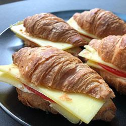 Mini croissants thumbnail