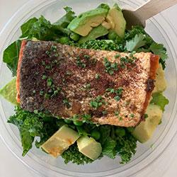 Salmon and green salad bowl thumbnail