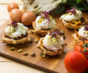 Poached egg tarts thumbnail