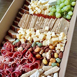 Cheese and cold meats platter - Winter selection thumbnail