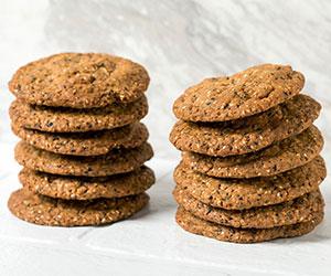 Sesame, peanut and chia cookie thumbnail