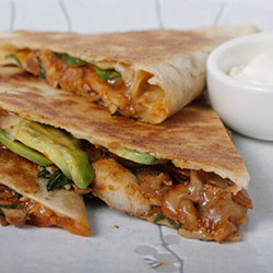Pulled chicken quesadilla thumbnail