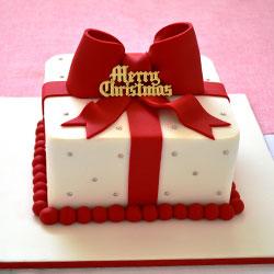 Fondant Christmas cake thumbnail