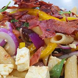 Mediterranean pasta salad thumbnail