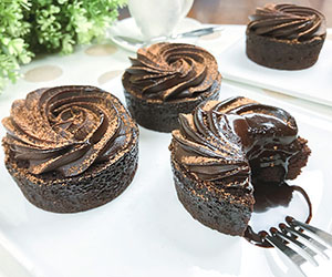 Chocolate explosion mud cake - 3 inch - box of 6 thumbnail