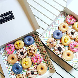 Mixed pack of mini donuts thumbnail