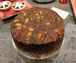 Christmas fruit and pecan cake thumbnail