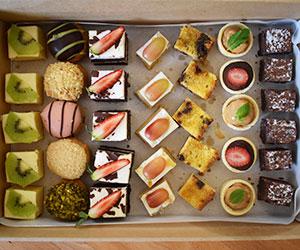 Finger sweets platter thumbnail