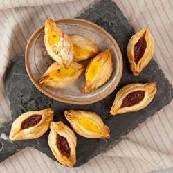Sweet pastry taco thumbnail