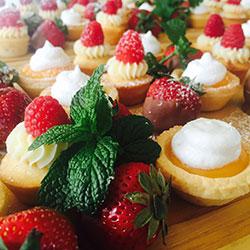 Petite desserts thumbnail