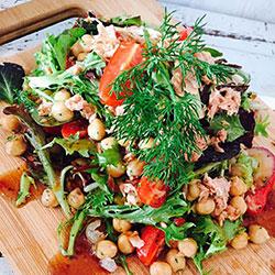 Tuna and chickpea salad thumbnail