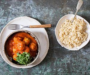 Chicken meatballs in Napoli sauce thumbnail