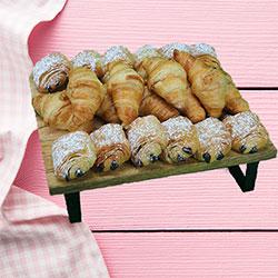 Mini croissants goody box thumbnail
