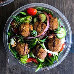 Falafel salad thumbnail