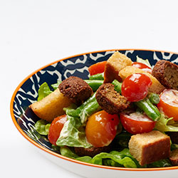 Butter lettuce and falafels salad thumbnail