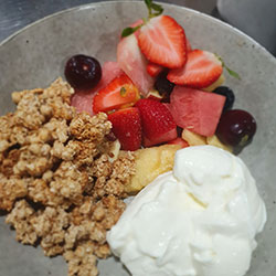 Muesli yoghurt pots  thumbnail