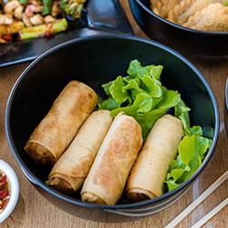 Chicken spring rolls thumbnail