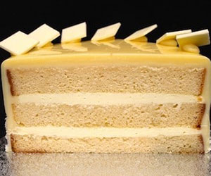 White chocolate mud round cake thumbnail