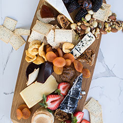 Cheese and nuts platter - serves 10 guests thumbnail