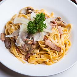 Fettuccini carbonara thumbnail