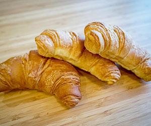 Plain croissant - large thumbnail