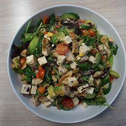 Chicken, kale and quinoa salad thumbnail