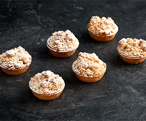 Apple crumble tart  thumbnail