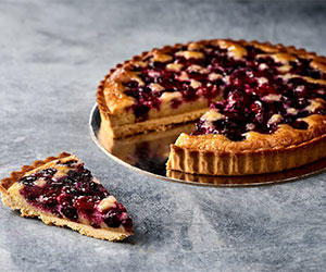 Baked berry tart thumbnail