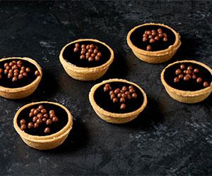 Salted caramel tarts thumbnail